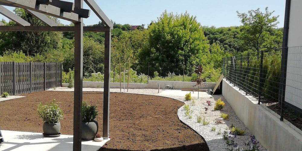 Családi ház kert1 2020